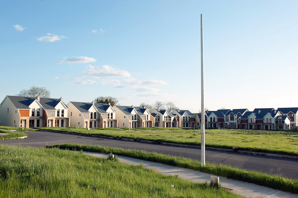 Shannon Quays development on the river Sahnnon in Roosky, Co Leitrim. The development of 35 houses and 24 apartments is a ghost estate with only one of the houses and a few of the apartments occupied.