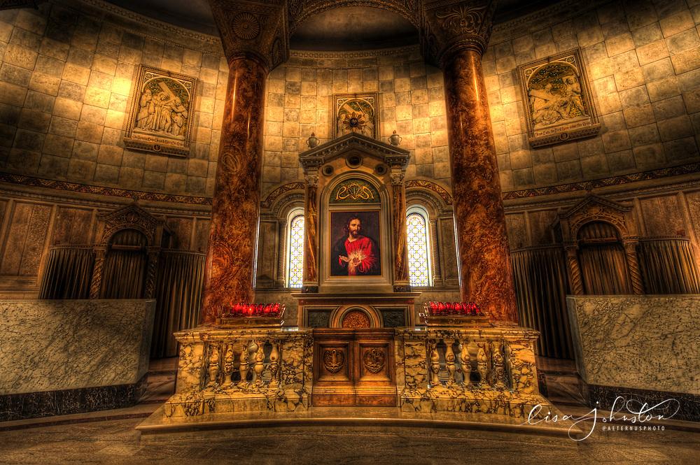 Lisa Johnston | lisa@aeternus.com | Tiwtter: @aeternusphoto  Sacred Heart of Jesus Shrine at the Cathedral Basilica of St. Louis