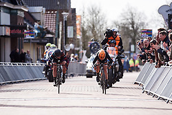 The sprint for the line between Amy Pieters (NED) and Alice Barnes (GBR) at Healthy Ageing Tour 2018 - Stage 2, a 102.5 km road race starting and finishing in Grootegast on April 5, 2018. Photo by Sean Robinson/Velofocus.com