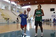 DESCRIZIONE : Alba Adriatica Nazionale Femminile Allenamento con i ragazzi di Special Crabs<br /> GIOCATORE : Manuela Zanon<br /> SQUADRA : Nazionale Italia Donne<br /> EVENTO : Raduno Collegiale Nazionale Femminile <br /> GARA : <br /> DATA : 23/05/2009 <br /> CATEGORIA : <br /> SPORT : Pallacanestro <br /> AUTORE : Agenzia Ciamillo-Castoria/C.De Massis
