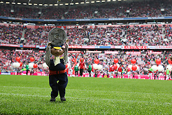 11.05.2013, Allianz Arena, Muenchen, GER, 1. FBL, FC Bayern Muenchen vs FC Augsburg, 33. Runde, im Bild Augsburgs Maskottchen, Marionette Jim Knopf, haelt die Meisterschale hoch in der Allianz-Arena Muenchen,  // during the German Bundesliga 33th round match between FC Bayern Munich and FC Augsburg at the Allianz Arena, Munich, Germany on 2013/05/11. EXPA Pictures © 2013, PhotoCredit: EXPA/ Eibner/ Klaus Rainer Krieger..***** ATTENTION - OUT OF GER *****