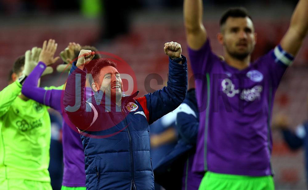 Bristol City head coach Lee Johnson celebrates the win over Sunderland - Mandatory by-line: Robbie Stephenson/JMP - 28/10/2017 - FOOTBALL - Stadium of Light - Sunderland, England - Sunderland v Bristol City - Sky Bet Championship