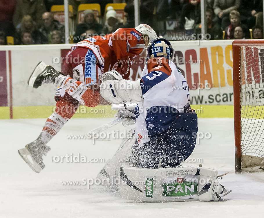 19.02.2013, Stadthalle, Klagenfurt, AUT, EBEL, EC KAC vs KHL Medvescak Zagreb, 9. Platzierungsrunde, im Bild Penalty zum 2:1 durch Tylor Scofield (Kac, #10), Robert Kristan (Khl Medvescak  Zagreb, #33) // during the Erste Bank Icehockey League 9th placement Round match between EC KAC and KHL Medvescak Zagreb at the City Hall, Klagenfurt, Austria on 2013/02/19. EXPA Pictures © 2013, PhotoCredit: EXPA/ Mag. Gert Steinthaler