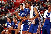 CAMPIONATI EUROPEI STOCCOLMA 2003<br /> ITALIA GRECIA<br /> NELLA FOTO: NIKOLA RADULOVIC GIACOMO GALANDA<br /> FOTO CIAMILLO/CASTORIA