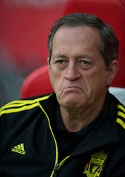 UTRECHT, THE NETHERLANDS - Thursday, September 30, 2010: Liverpool's head of Sports Medicine and Science Dr Peter Brukner before the UEFA Europa League Group K match against FC Utrecht at the Stadion Galgenwaard. (Photo by David Rawcliffe/Propaganda)