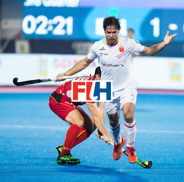 BHUBANESWAR - Pau Quemada (Esp)  met Loick Luypaert (Bel)  Hockey World League finals , wedstrijd om de 5e plaats. Belgie-Spanje.  COPYRIGHT KOEN SUYK