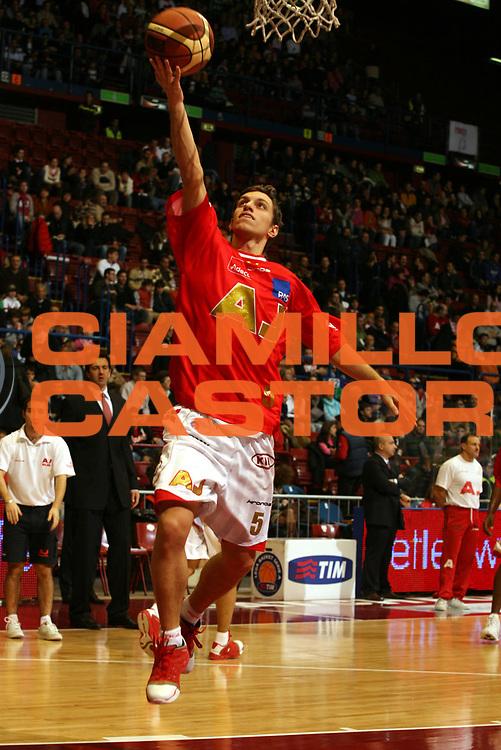 DESCRIZIONE : Milano Lega A1 2006-07 Armani Jeans Milano Benetton Treviso<br />GIOCATORE : Mercante<br />SQUADRA : Armani Jeans Milano<br />EVENTO : Campionato Lega A1 2006-2007 <br />GARA : Armani Jeans Milano Benetton Treviso<br />DATA : 10/12/2006 <br />CATEGORIA : Tiro<br />SPORT : Pallacanestro <br />AUTORE : Agenzia Ciamillo-Castoria/M.Marchi