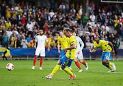 KIELCE, POLEN 2017-06-16<br /> Linus Wahlqvist skjuter straff under UEFA U21 matchen mellan Sverige och England p&aring; Arena Kielce den 16 juni, 2017.<br /> Foto: Nils Petter Nilsson/Ombrello<br /> Fri anv&auml;ndning f&ouml;r kunder som k&ouml;pt U21-paketet.<br /> Annars Betalbild.<br /> ***BETALBILD***