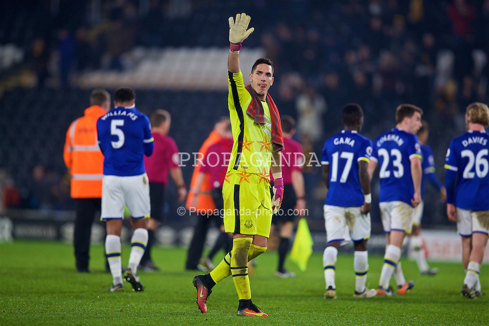 KINGSTON-UPON-HULL, ENGLAND - Friday, December 30, 2016: Everton's goalkeeper Joel Robles waves to the supporters after his side draw 2-2 with Hull City during the FA Premier League match at the KCOM Stadium. (Pic by David Rawcliffe/Propaganda)