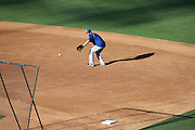 LOS ANGELES, CA - AUGUST 22:  Lucas Duda #21 of the New York Mets catches a ground ball at first base during batting practice before the game against the Los Angeles Dodgers at Dodger Stadium on Friday, August 22, 2014 in Los Angeles, California. The Dodgers won the game 6-2. (Photo by Paul Spinelli/MLB Photos via Getty Images) *** Local Caption *** Lucas Duda