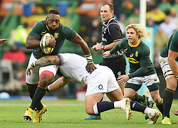 Cape Town-180623- Springbok player Tendai Mtawarira  tackled by Elliot Daly  of England  in the last game of the Castle Lager Test between Springboks and England at Newlands Stadium photographer:Phando Jikelo/African News Agency/ANA