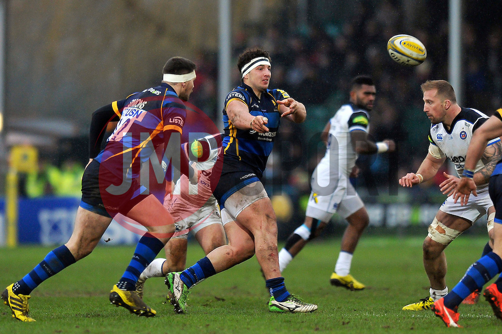 Val Rapava Ruskin of Worcester Warriors passes the ball - Mandatory byline: Patrick Khachfe/JMP - 07966 386802 - 13/02/2016 - RUGBY UNION - Sixways Stadium - Worcester, England - Worcester Warriors v Bath Rugby - Aviva Premiership.
