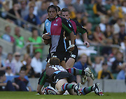 20040904 London Irish v Harlequins. Zurich Premiership..Steve So'oialo  looks' down at, the grounded, Gavin Duffy for him to pass  the ball from the ground..Photo  Peter Spurrier.email images@intersport-images Mob +447973819551.