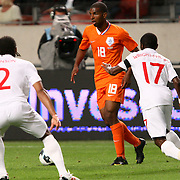 NLD/Amsterdam/20090812 - Nederland vs Engeland, Ryan babel in duel met Glen Johnson en Shaun Wright - Philips