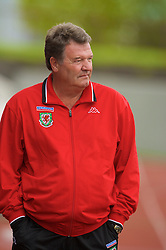 REYKJAVIK, ICELAND - Wednesday, May 28, 2008: Wales' manager John Toshack MBE before the international friendly match against Iceland at the Laugardalsvollur Stadium. (Photo by David Rawcliffe/Propaganda)