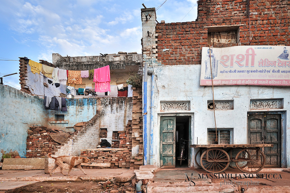 A street in Gwalior, a house obtained from the ruins of an older building