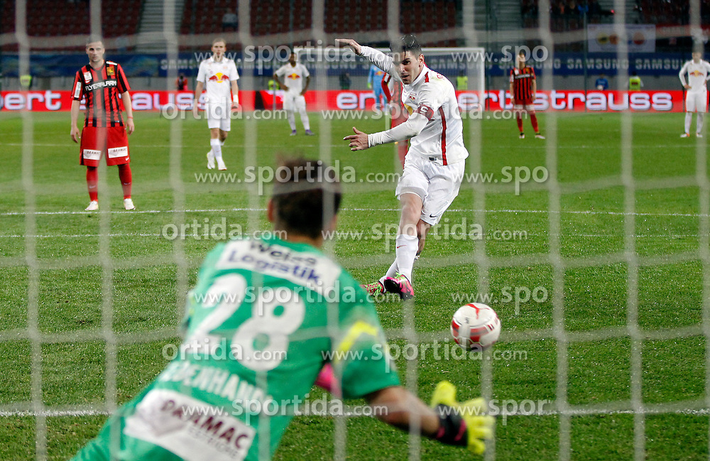 19.05.2016, Woerthersee Stadion, Klagenfurt, AUT, OeFB Samsung Cup, FC Admira Wacker Moedling vs FC Red Bull Salzburg, Finale, im Bild Jonatan Soriano Casas (FC Red Bull Salzburg) und Jörg Siebenhandl (FC Admira Wacker Mödling). // during the OeFB Samsung Cup final match between FK Austria Wien and FC Red Bull Salzburg at the Woerthersee Stadion in Klagenfurt, Austria on 2016/05/19. EXPA Pictures © 2016, PhotoCredit: EXPA/ Wolfgang Jannach