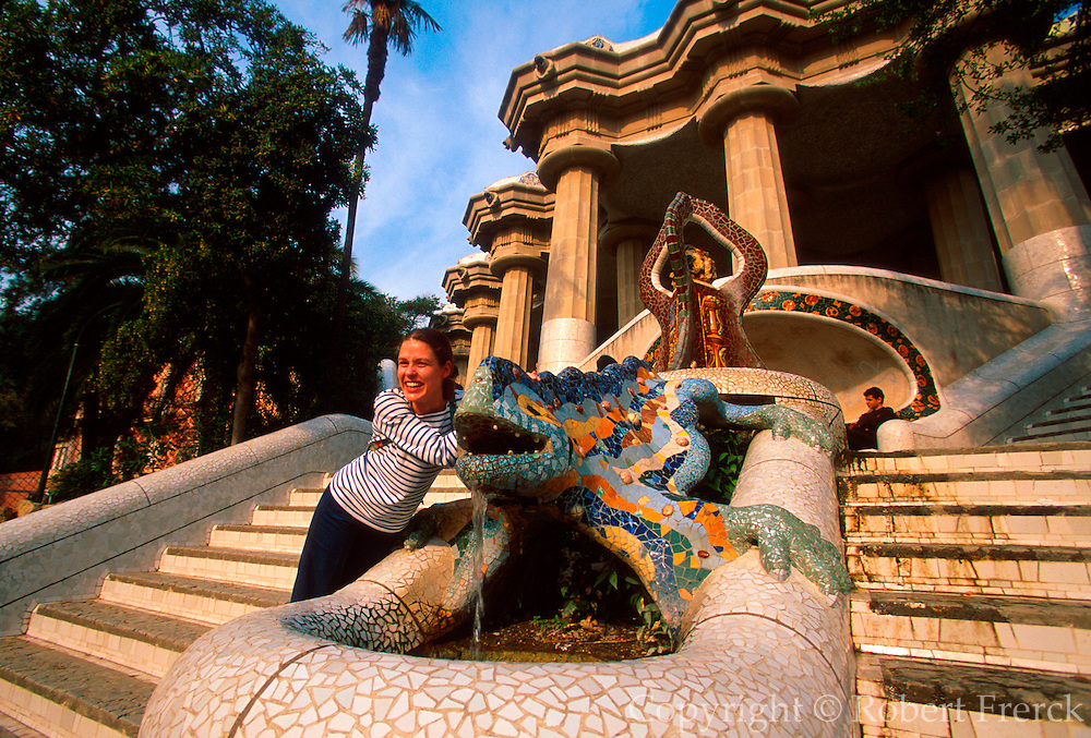 SPAIN, BARCELONA, GAUDI Parc Guell; tile 'dragon' fountain