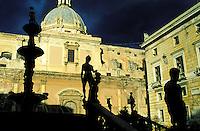 Italie - Sicile - Palerme Fontaine de la Piazza Pretoria