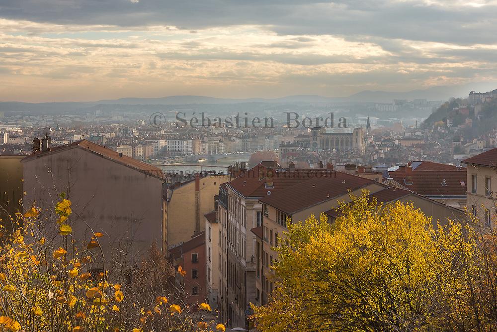 Vue sur Lyon depuis les pentes de la Crois-Rousse  // View of Lyonfrom la Crois-Rousse area