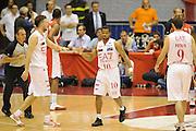 DESCRIZIONE : Milano  Lega A 2011-12 EA7 Emporio Armani Milano Scavolini Siviglia Pesaro play off semifinale gara 2<br /> GIOCATORE : Omar Cook <br /> CATEGORIA : fair play<br /> SQUADRA : EA7 Emporio Armani Milano<br /> EVENTO : Campionato Lega A 2011-2012 Play off semifinale gara 2 <br /> GARA : EA7 Emporio Armani Milano Scavolini Siviglia Pesaro<br /> DATA : 31/05/2012<br /> SPORT : Pallacanestro <br /> AUTORE : Agenzia Ciamillo-Castoria/ GiulioCiamillo<br /> Galleria : Lega Basket A 2011-2012  <br /> Fotonotizia : Milano  Lega A 2011-12 EA7 Emporio Armani Milano Scavolini Siviglia Pesaro play off semifinale gara 2<br /> Predefinita :