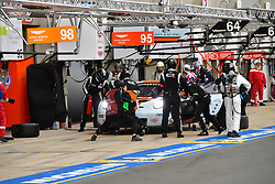 June 16, 2018 - Le Mans, FRANCE - 86 GULF RACING (GBR) PORSCHE 911 RSR GTE AM MICHAEL WAINWRIGHT (GBR) BENJAMIN BARKER (GBR) ALEXANDER DAVISON  (Credit Image: © Panoramic via ZUMA Press)