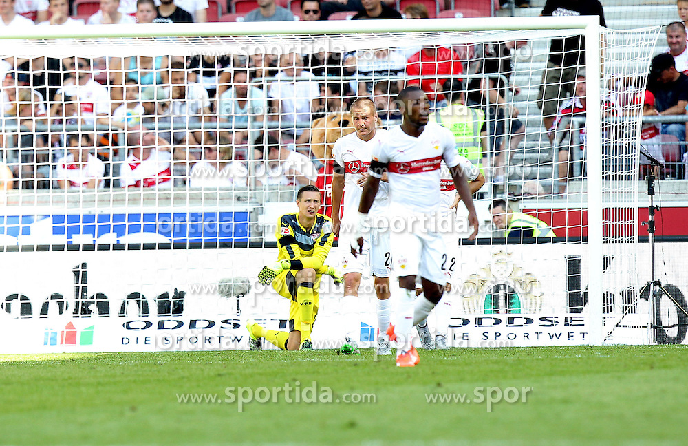 29.08.2015, Mercedes Benz Arena, Stuttgart, GER, 1. FBL, VfB Stuttgart vs Eintracht Frankfurt, 3. Runde, im Bild Przemyslaw Tyton ( VfB Stuttgart ) Adam Hlousek ( VfB Stuttgart ) Serey Die ( VfB Stuttgart ) frustriert nach dem 1:2 // during the German Bundesliga 3rd round match between VfB Stuttgart and Eintracht Frankfurt at the Mercedes Benz Arena in Stuttgart, Germany on 2015/08/29. EXPA Pictures &copy; 2015, PhotoCredit: EXPA/ Eibner-Pressefoto/ Langer<br /> <br /> *****ATTENTION - OUT of GER*****