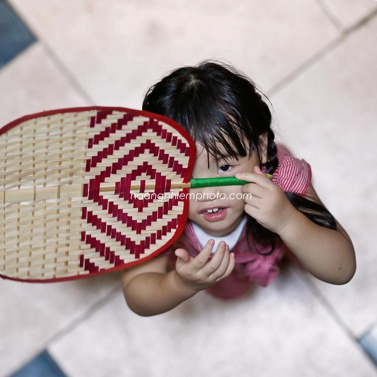 Vietnam Images-Portarit-children hoàng thế nhiệm hoàng thế nhiệm