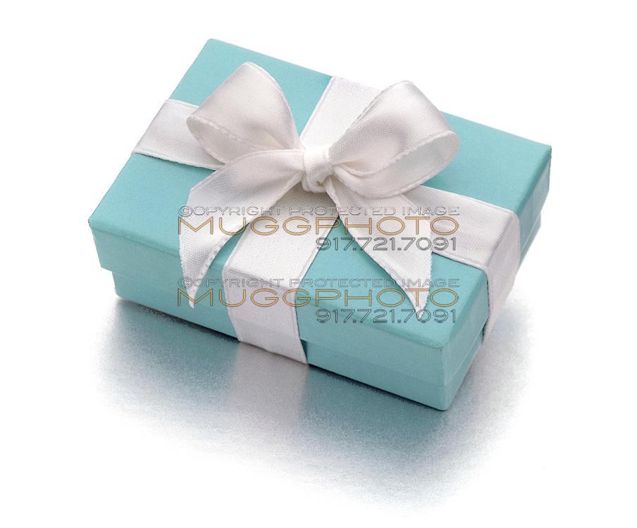 Tiffany robin's egg blue gift box