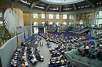 21 JUN 2006, BERLIN/GERMANY:<br /> Uebersicht, Haushaltsdebatte, Etat Bundeskanzleramt, Plenum, Deutscher Bundestag<br /> IMAGE: 20060621-01-028<br /> KEYWORDS: Bundestagsdebatte, Bundesadler, Plenarsaal, Übersicht