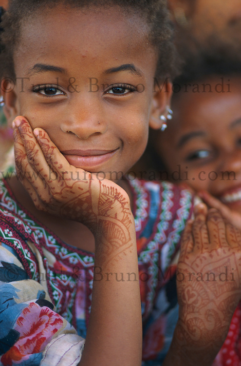 Pakistan. Shiddis, les esclaves de l'empire des Indes. Jeune fille Shiddi, les noirs du Pakistan. // Pakistan. Young Shiddi girl, the black of Pakistan with African origine.