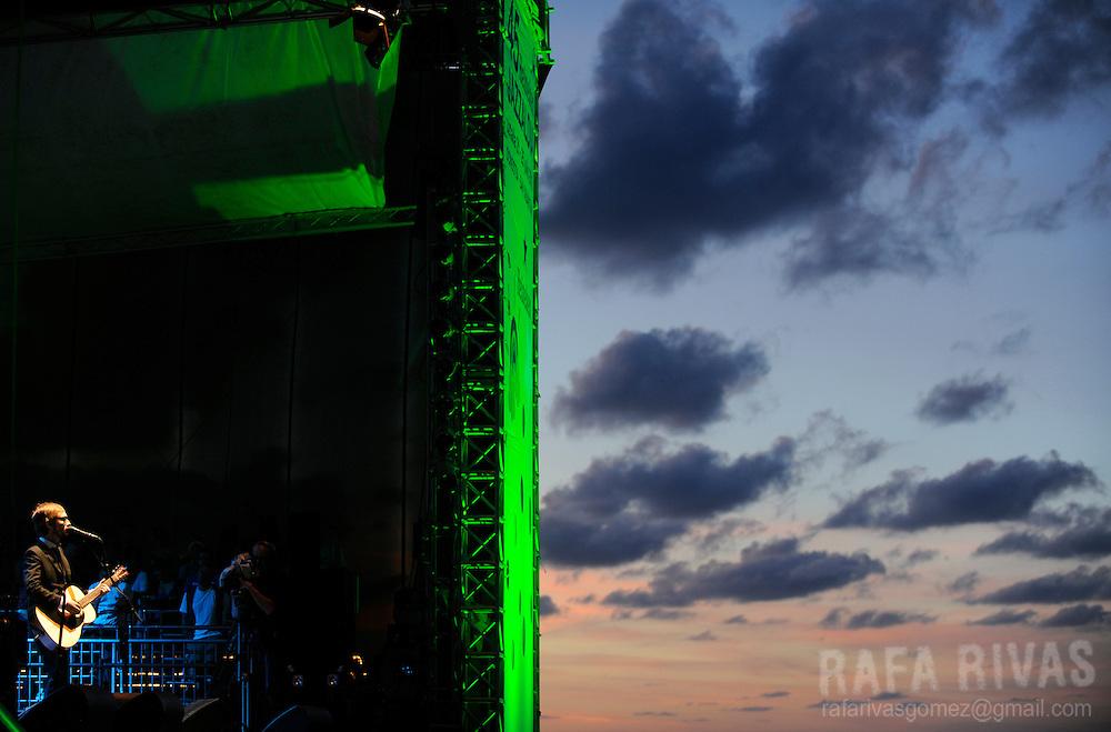 Irish musician Neil Hannon, singer of The Divine Comedy, performs during the 45 Jazzaldia festival, on July 24, 2010, in northern Spanish city of San Sebastian. AFP PHOTO/RAFA RIVAS