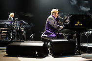 Elton John  in der  TUI-Arena in Hannover am 24.November 2014. Foto: Rüdiger Knuth