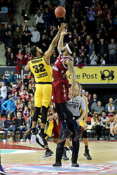 09.12.2017, Audi Dome, Muenchen, GER, EasyCredit BBL, FC Bayern Muenchen Basketball vs MHP Riesen Ludwigsburg, 12. Runde, im Bild Tippoff der Partie zwischen dem FC Bayern Basketball und den MHP Riesen Ludwigsburg. // during the easyCredit Basketball Bundesliga 12th round match between MHP Riesen Ludwigsburg and 12.Spieltag at the Audi Dome in Muenchen, Germany on 2017/12/09. EXPA Pictures &copy; 2017, PhotoCredit: EXPA/ Eibner-Pressefoto/ Marcel Engelbrecht<br /> <br /> *****ATTENTION - OUT of GER*****