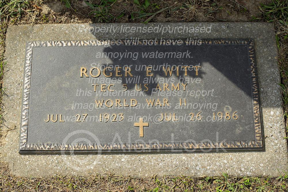 31 August 2017:   Veterans graves in Park Hill Cemetery in eastern McLean County.<br /> <br /> Roger E Witt  TEC5 US Army  World War II  Jul 27 1923  Jul 26 1986