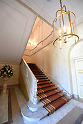 Paleis Noordeinde en Koninklijke Stallen open voor het publiek.  ////  Noordeinde Palace and Royal Stables open to the public.<br /> <br /> Op de foto / On the photo:  Hal met trappenhuis / Hall with staircase