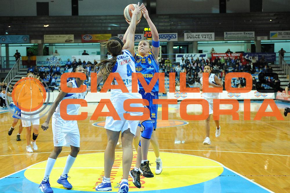 DESCRIZIONE : Faenza LBF Club Atletico Faenza Lavezzini Parma<br /> GIOCATORE : Francesca Zara<br /> SQUADRA : Lavezzini Parma<br /> EVENTO : Campionato Lega Basket Femminile A1 2009-2010<br /> GARA : Club Atletico Faenza Lavezzini Parma<br /> DATA : 17/01/2010 <br /> CATEGORIA : tiro<br /> SPORT : Pallacanestro <br /> AUTORE : Agenzia Ciamillo-Castoria/M.Marchi<br /> Galleria : Lega Basket Femminile 2009-2010<br /> Fotonotizia : Faenza LBF Club Atletico Faenza Lavezzini Parma Predefinita :