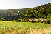 Landschaft und Schloss Zwingenberg am Neckar, Baden-Württemberg, Deutschland