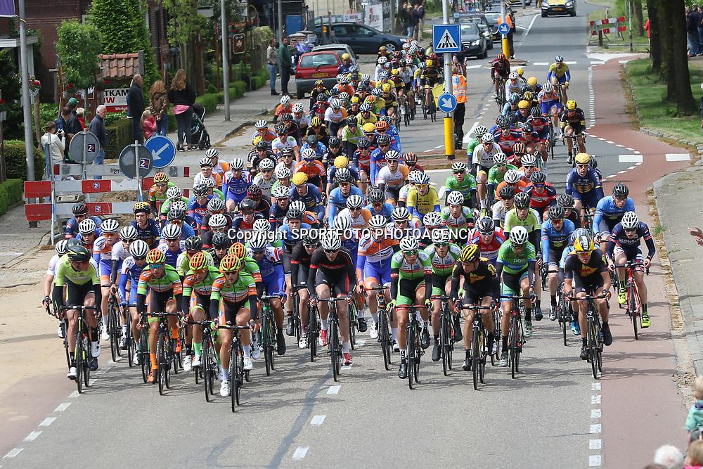 14-05-2016: Wielrennen: Ronde van Overijssel: Rijssen    RIJSSEN (NED) wielrennen<br />Met 64 edities is de ronde van Overijssel een van de oudste wielerkoersen in Nederland. Passage dorp van de ronde Bornerbroek