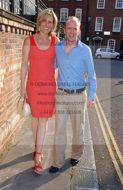 SIMON & SANTA SEBAG-MONTEFIORE at Sir David & Lady Carina Frost's annual summer party held in Carlyle Square, Chelsea, London on 5th July 2006.<br /><br />NON EXCLUSIVE - WORLD RIGHTS
