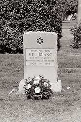 hollywood forever, Hollywood, cemetery, marker, grave, 35mm, film, black and white, bw, mel blanc, That's all folks