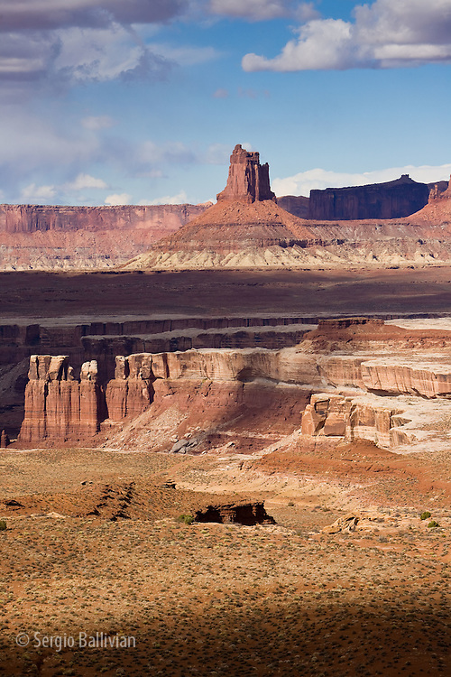 Canyons and mesas as seen from the White Rim Trail in Canyonlands National Park, Utah.