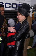 Mayor Ken Livingstone's partner Emma Beal and her son,  son Thomas. Anti War Rally, Hyde Park. 15 February 2003. © Copyright Photograph by Dafydd Jones 66 Stockwell Park Rd. London SW9 0DA Tel 020 7733 0108 www.dafjones.com