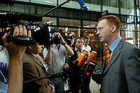 12 JUN 2006, BERLIN/GERMANY:<br /> Christoph Matschie, SPD, Landesvorsitzender Thueringen, im Gespraech mit Journalisten, vor Beginn einer Sitzung des SPD Praesidiums, Willy-Brandt-Haus<br /> IMAGE: 20060612-01-001<br /> KEYWORDS: Kamera, Camera, Mikrofon, microphone, Journalist