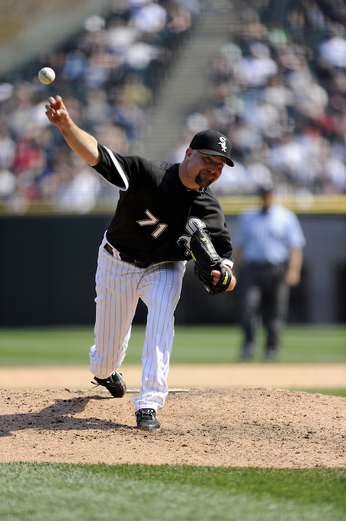 CHICAGO - APRIL 10:  Scott Linebrink #71 of the Chicago White Sox pitches against the Minnesota Twins on April 10, 2010 at U.S. Cellular Field in Chicago, Illinois.  The Twins defeated the White Sox 2-1.  (Photo by Ron Vesely)