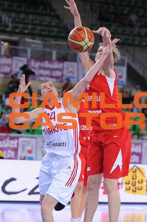 DESCRIZIONE : Bydgoszcz Poland Polonia Eurobasket Women 2011 Round 2 Turchia Repubblica Ceca Turkey Czech Republic<br /> GIOCATORE : Saziye Ivegin<br /> SQUADRA : Turchia Turkey <br /> EVENTO : Eurobasket Women 2011 Campionati Europei Donne 2011<br /> GARA : Turchia Repubblica Ceca Turkey Czech Republic<br /> DATA : 23/06/2011 <br /> CATEGORIA : <br /> SPORT : Pallacanestro <br /> AUTORE : Agenzia Ciamillo-Castoria/M.Marchi<br /> Galleria : Eurobasket Women 2011<br /> Fotonotizia : Bydgoszcz Poland Polonia Eurobasket Women 2011 Round 2 Turchia Repubblica Ceca Turkey Czech Republic<br /> Predefinita :