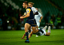 Tom Dodd of Worcester Warriors runs in a try - Mandatory by-line: Robbie Stephenson/JMP - 28/07/2017 - RUGBY - Franklin's Gardens - Northampton, England - Worcester Warriors v Bath Rugby - Singha Premiership Rugby 7s