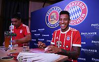 FUSSBALL     1. BUNDESLIGA     SAISON  2017/2018 Audi Football Summer Tour China / Singapur 2017 FC Bayern Muenchen  24.07.2017 Tag 9; Werbetermin Paulaner Braeuhaus Singapur: Corentin Tolisso