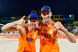 15-08-2016 BRA: Olympic Games day 10, Rio de Janeiro<br /> Alexander Brouwer en Robert Meeuwsen hebben dankzij een zege op hun landgenoten Reinder Nummerdor en Christiaan Varenhorst de halve finale van het olympisch beachvolleybaltoernooi bereikt: 2-0.