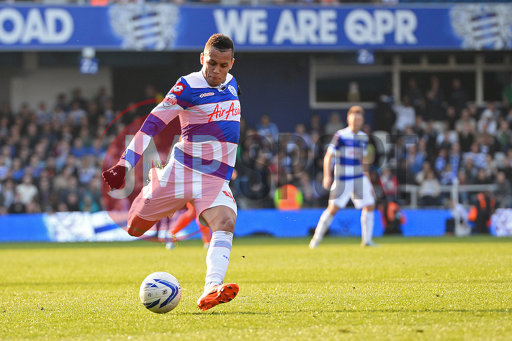 QPR's midfielder Ravel Morrison takes a shot at goal - Photo mandatory by-line: Mitchell Gunn/JMP - Tel: Mobile: 07966 386802 29/03/2014 - SPORT - FOOTBALL - Loftus Road - London - Queens Park Rangers v Blackpool - Championship